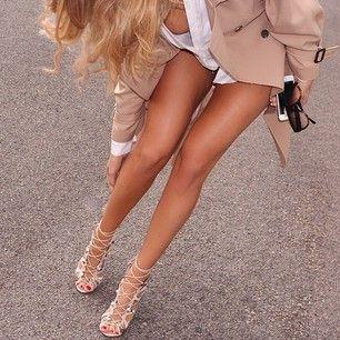 Série candide teen pieds blond