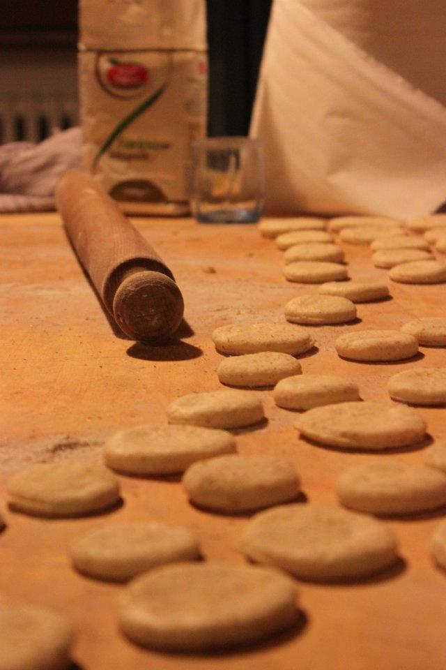 Making mini pizzas