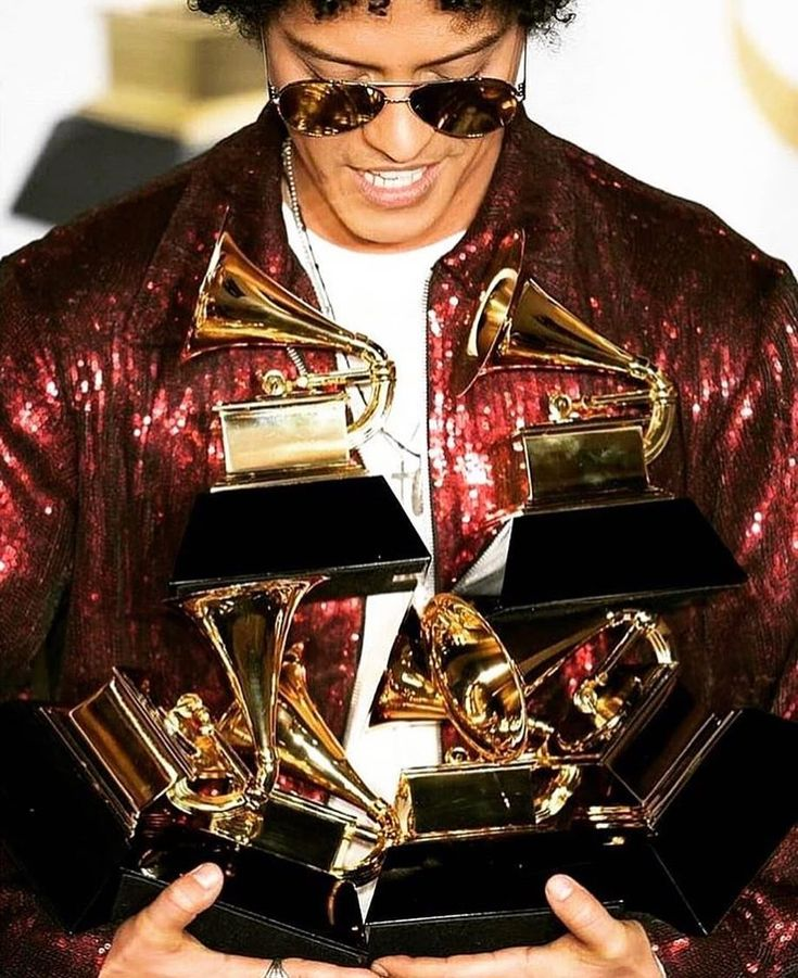 Best picture of the night ... the point Bruno got to look down and see his reward for the four years of writing and recording it took to produce #24kMagic #brunomars #Grammys