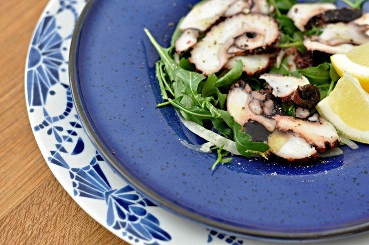 Dnes jsme připravili recept pro gurmány a lidi, co rádi zkouší nové a pro nás Čechy netradiční jídla. Jedná se tedy o carpaccio z chobotnice.