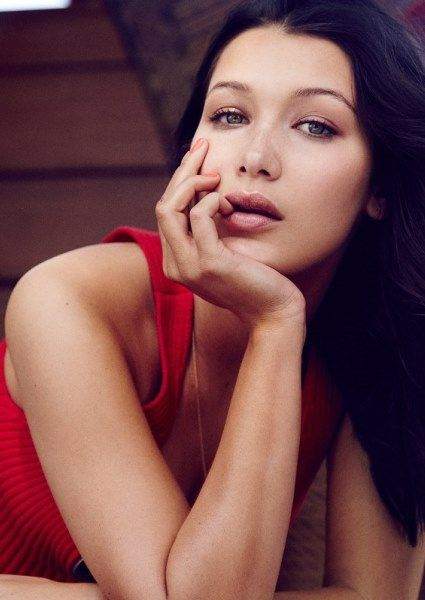 30 best bella hadid images on pinterest bella hadid fashion editorials and high fashion. Black Bedroom Furniture Sets. Home Design Ideas