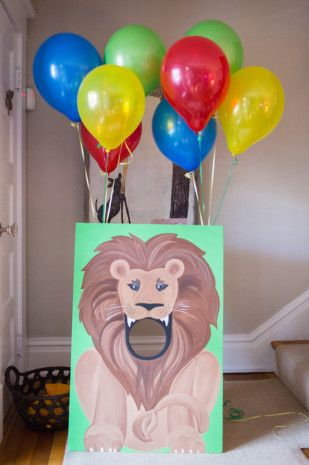 Clover instead of a lion First Birthday Party Bean Bag Toss #Sofiathefirst