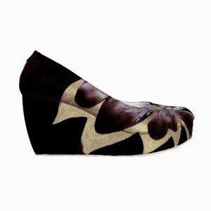 sepatu lukis wedges papillon hitam IDR298.000 size 36-41  Hubungi Customer Service kami untuk pemesanan : Phone / Whatsapp : 089624618831 Line: Slightshoes Email : order@slightshop.com