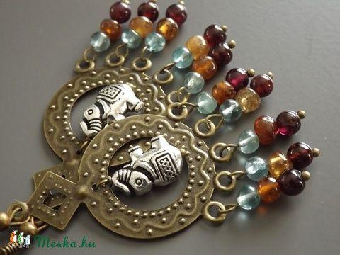 """""""India"""" fülbevaló, gyöngy, drágakő, hinduizmus, szári, drótékszer, ásvány, ajándék, gránát, napkő, Meska (agnesasvanyaruhaza) - Meska.hu"""