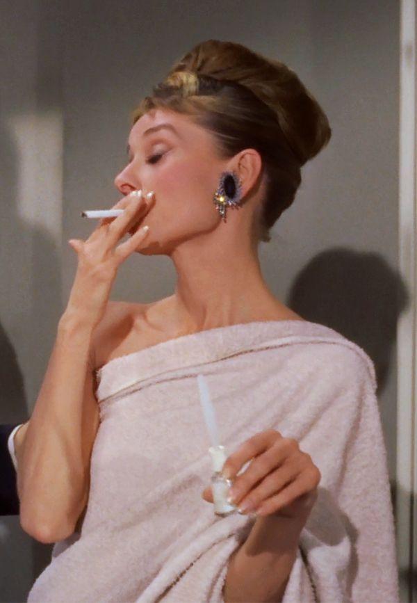 pennsylvania prepster — roseydoux:   Breakfast at Tiffany's (1961)