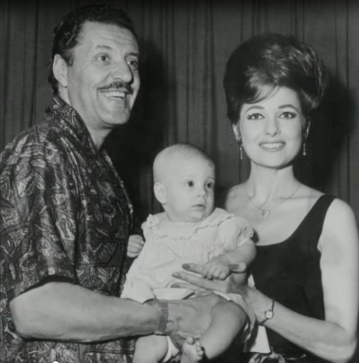 Tempest Storm & Herb Jeffries & their daughter in 1963