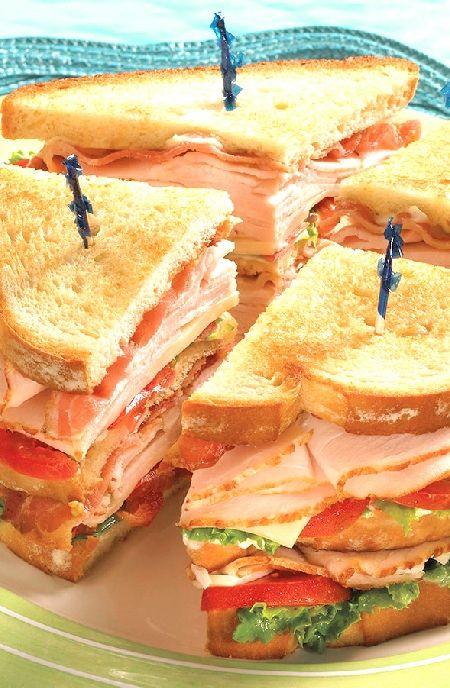Low FODMAP Recipe and Gluten Free Recipe - Turkey & bacon club    http://www.ibs-health.com/low_fodmap_turkey_bacon_club.html