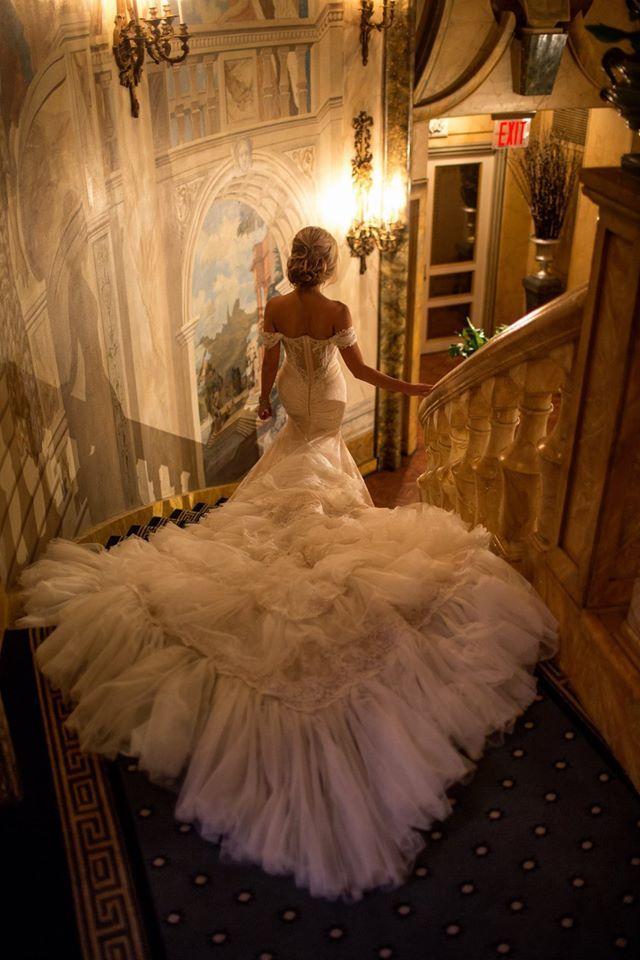 OMG Beautiful !!!!   Photography: AlbaPro | Dress: Inbal Dror