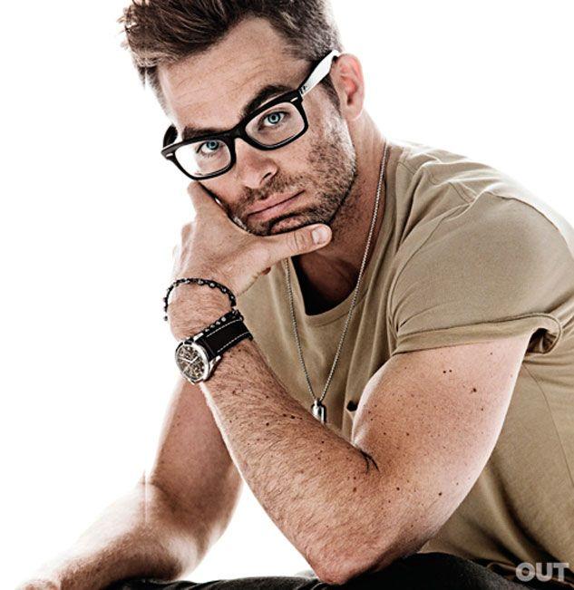Chris Pine - I love when hot men wear glasses.....the nerd look is so good on them <3