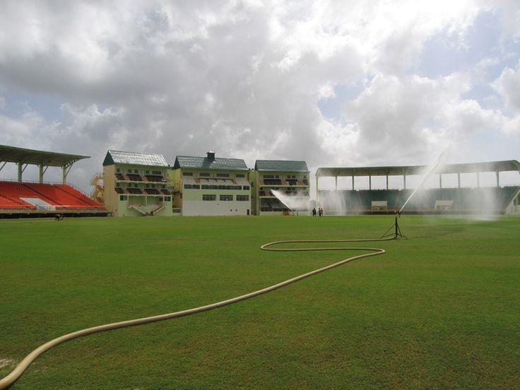 O Providence Stadium é o maior estádio da Guiana, tendo sido construído para a Copa do Mundo de Críquete de 2007. // Smaller Providence Stadium inside ◆Guiana – Wikipédia https://pt.wikipedia.org/wiki/Guiana #Guyana