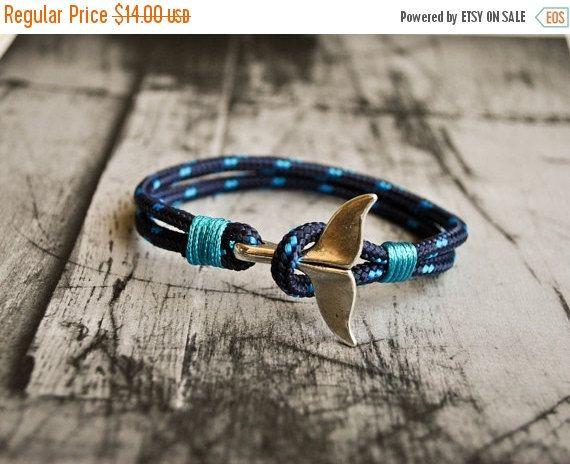 He encontrado este interesante anuncio de Etsy en https://www.etsy.com/es/listing/241059989/on-venta-azul-ballena-cola-mens-nautico