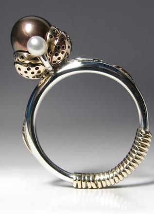 Classical Beauty - Exclusive RIng. 14k Gold, 925 Silver, Tahiti Pearl, Claudio Pino