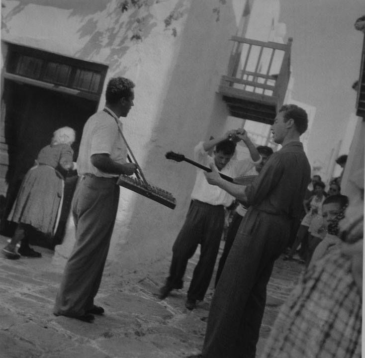 Μύκονος, 1950-55 Φωτ. Βούλα Παπαϊωάννου Φωτογραφικά Αρχεία Μουσείου Μπενάκη Myconos island, 1950-55 Photo by Voula Papaioannou Benaki Museum Photographic Archives