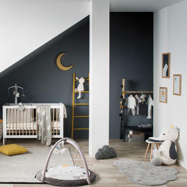 Deco Chambre De Bebe Avec Un Mur Noir En 2020 Chambre Bebe Deco