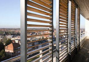 Een koele werkruimte met schuifpanelen als zonwering: http://kennisbank.coltinfo.nl/blog/bid/60317/Een-koele-werkruimte-met-schuifpanelen-als-zonwering Het klinkt zo simpel; om het in de zomer binnen koel te krijgen zorg je dat de zon buiten blijft. En zo eenvoudig is het ook! #duurzaam #bouwen #buitenzonwering