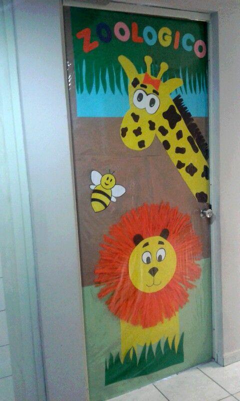 Puerta decoración primavera zoológico