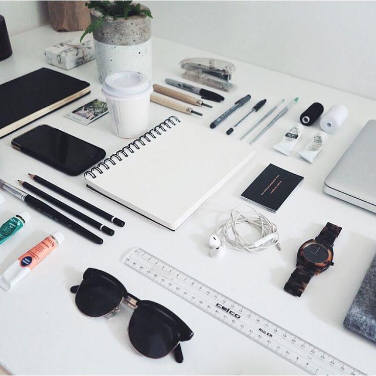 madetheline:  Graphic designer workspace flatlay
