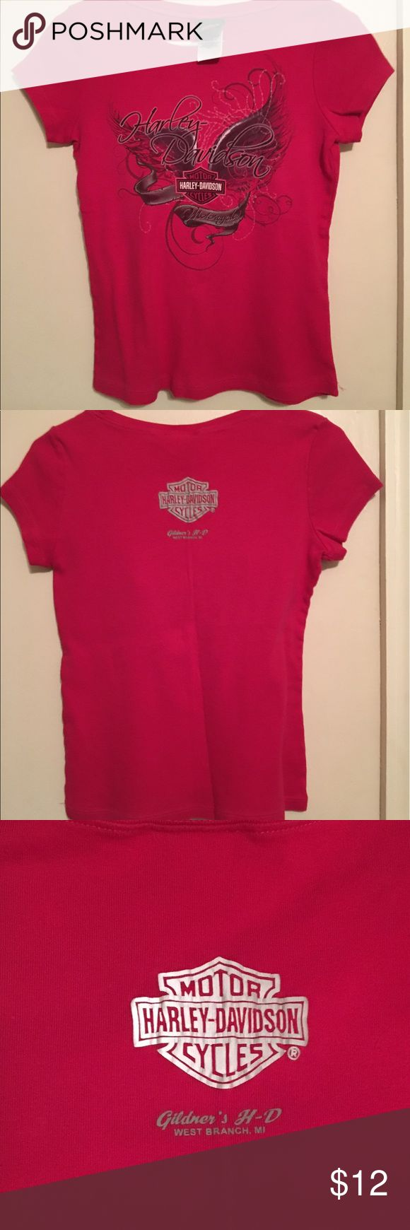 """HARLEY-DAVIDSON Motor Cycles T Shirt HARLEY-DAVIDSON Motor Cycles T Shirt. Red Med. In good Condition. It did shrink so it would go for Small. Measurements: Shoulder to shoulder 16"""" x 21"""" top to bottom..100% Cotton. Wash in cold water. Great condition. 💖Thank you for stopping by. Harley-Davidson Tops Tees - Short Sleeve"""