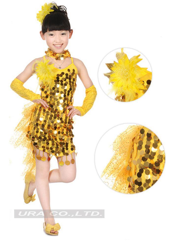 Bailando en vestido corto se le sube y se le ve todo 7