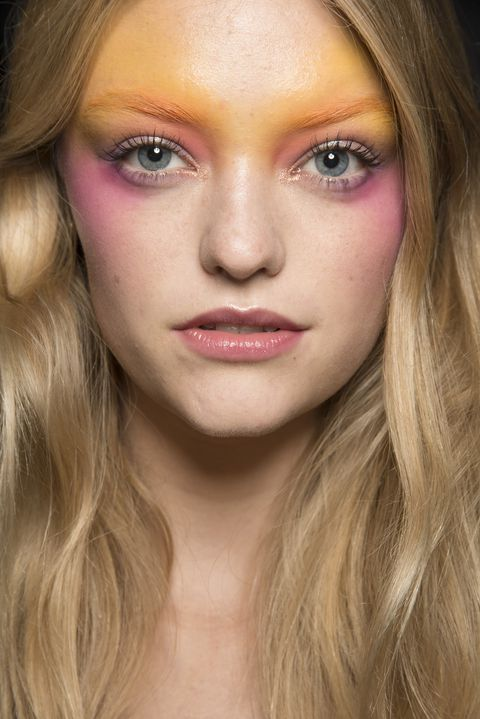 The Spring 2019 Makeup Looks You're About To See All Over ...