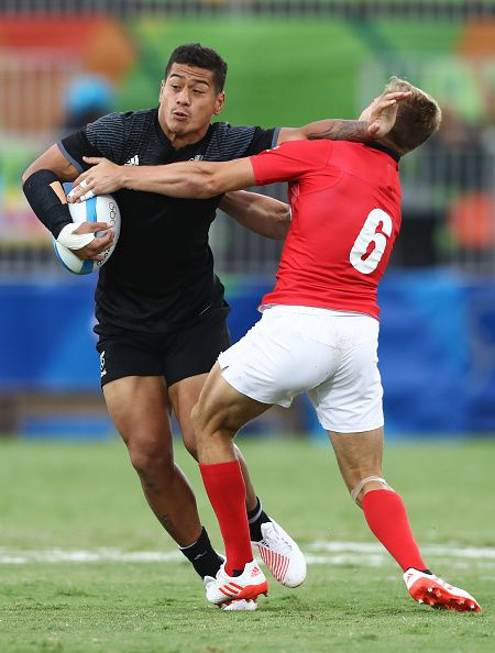 #RIO2016 Augustine Pulu of New Zealand holds off Tom Mitchell of Great Britain during the Men's Pool C Match 16 between New Zealand vs Great Britainon Day 5...