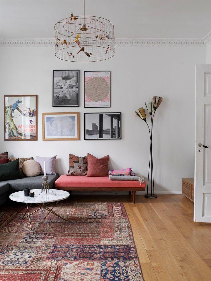 FINN – TØYEN - En rålekker, klassisk og aldeles nydelig 3-roms leilighet i 3. etg m/ balkong mot bakgård og 2 peiser! Gj.gående og over 3 m. takhøyde!