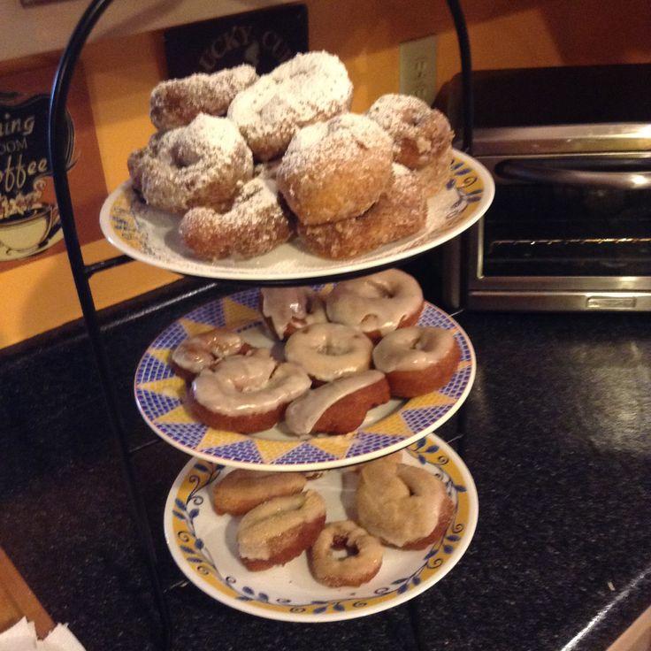 Donuts ( glazed, cinnamon w/ sugar and confectioner sugar.