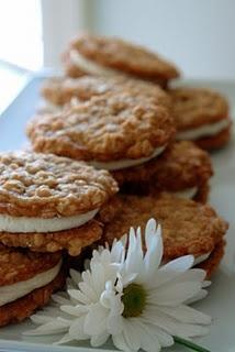 Oatmeal Whoopie Pie with a Twist of Lemon!