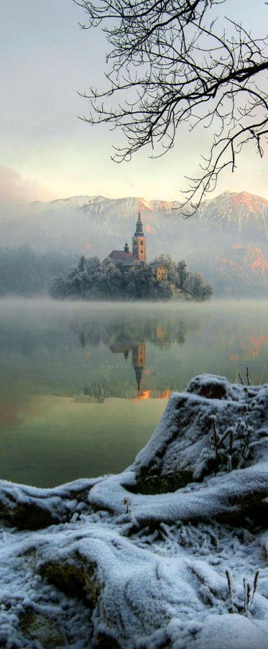 Misty snow, Lake Bled, Slovenia (by Janez Tolar)