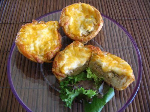 Petits pâtés aux oeufs et au thon #recettesduqc #brunch #bouchees
