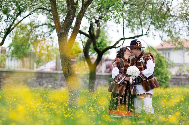 Ana și Gabriel. Nuntă Tradițională în Stulpicani, Suceava.