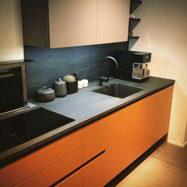 HTH Kitchen Athena Karamell Black VH7 Concept