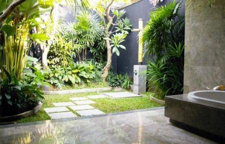 by lejardindeclaire,salle de bain,jardin exotique,dedans-dehors
