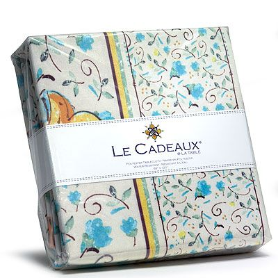 Le Cadeaux Water Resistant Tablecloth   Romana   69 X 69 In
