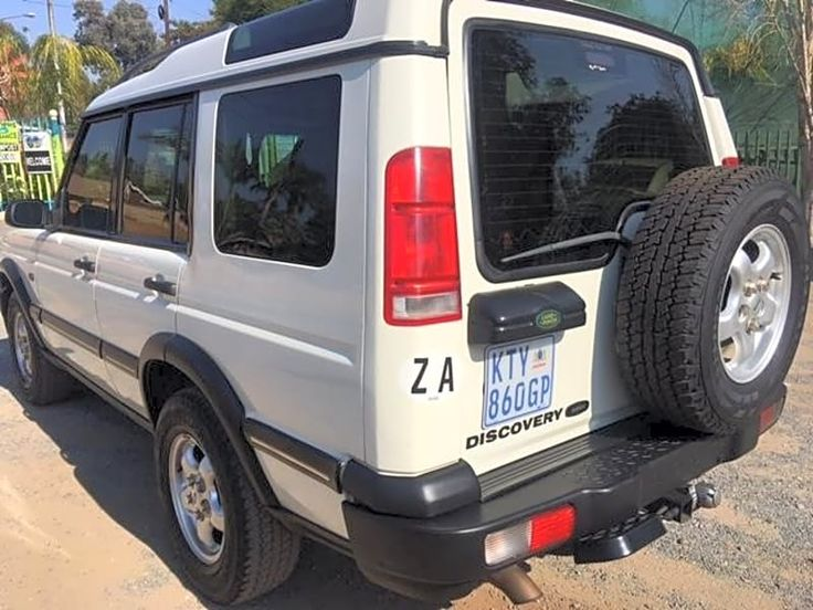 2000 Land Rover Discovery 3.9 V8 ES AT for sale at our showroom at 15 Lyttelton Road, Centurion for only R 75 900 and 280 000 km Pristine condition; Full house. Sunroof, roof rack, tow bar, nudge bar, spotlights, third-row seats. Finance available and Trade-ins Welcome. Call Christo 064 534 7643 / 0126601097 for a test-drive.