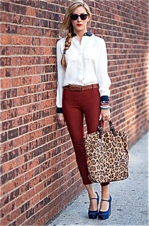look descolado, sapato colorido + bolsa onça