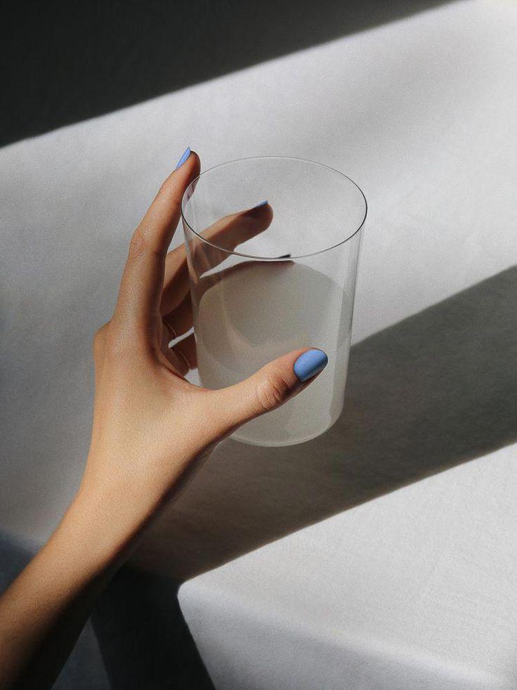 Die besten Nagellackfarben für Herbst und Winter, modelliert mit einigen festlichen Getränken. #Kokoswasserhaar – d r i n k s ☼