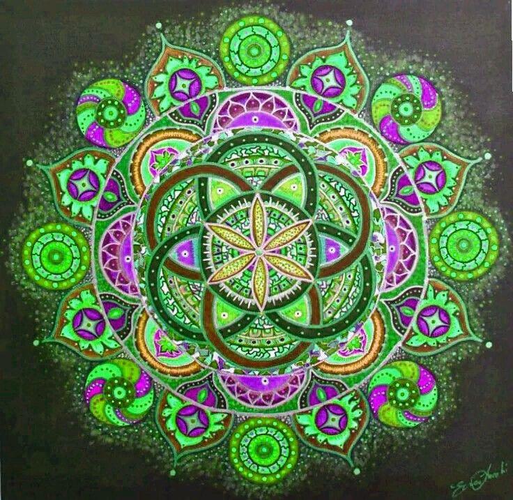 ⊰❁⊱ Mandala ⊰❁⊱ By Erica Lucchi