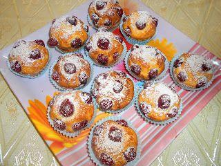 Nagyi titkai a házias ízekről receptekkel: Muffin meggyesen