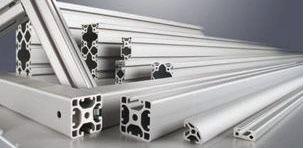 Les profilés ELCOM de largeur 40 mm avec une rainure de 8 mm sont compatible avec les serre joints FESTOOL