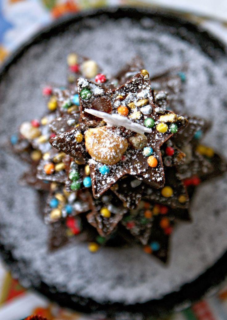 Choinka z czekolady http://iinspiracje-kulinarne.blogspot.com/2013/12/choinka-z-czekolady-ugryz-swieta.html?utm_source=BP_recent