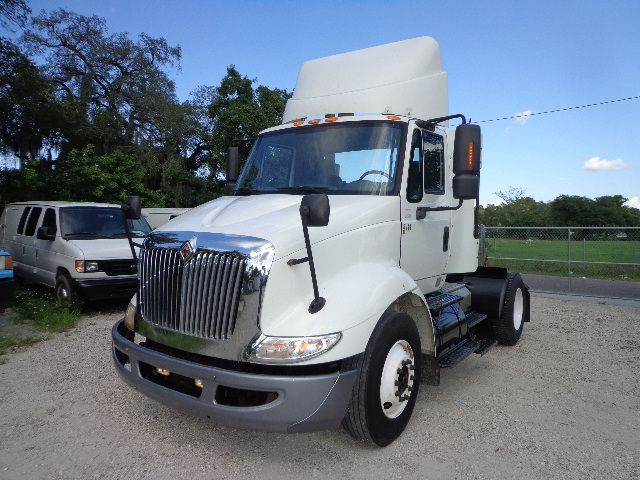 2007 international 8600 single axle daycab semi truck for sale tampa fl free warranty. Black Bedroom Furniture Sets. Home Design Ideas