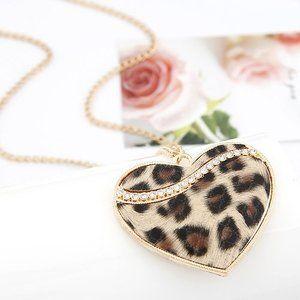 Ketting met hart, luipaard print bruin  Te koop op www.dariyo.nl voor € 7,95