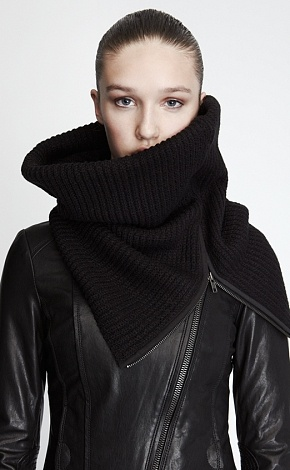 Soia & Kyo snood + leather jacket : Minimal + Classic
