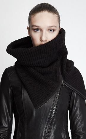Soia & Kyo snood + leather jacket : Minimal + Classic