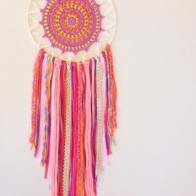 Mandala dreamcatcher -Jai Ma- It looks very girly yet it has strong energy in it, determination, generous, kindness, love... Jai ma means victory to mother in Sanskrit. I contribute this to all mothers , ladies and girls. Go girls go! #atelierprya #mandala #mandalacrochet #mandaladreamcatcher #dreamcatcher #attrapereve #gogirl #jaima