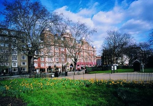 Hilton London Hyde Park is a Victorian townhouse hotel set in central London!