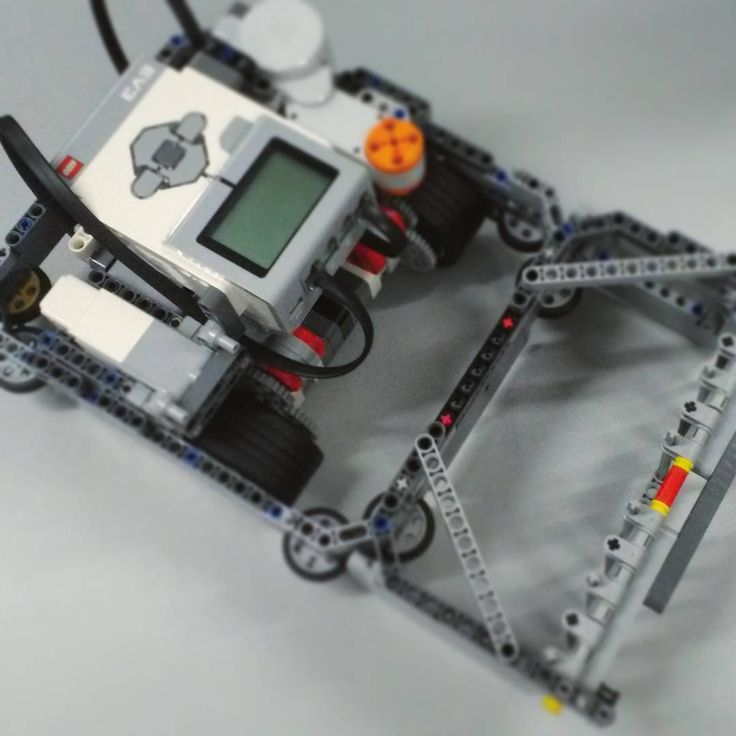 More of the #TeamLightning robot  Getting ready for February 26th. #robots #robot #Technocamps #program #programming #pencil #sorter #code #coding #lego #nxt #ev3 #raspberry #pi #raspberrypi #competition #python #java #css #c #cplusplus #ruby #javascript #php #html #bots #robots