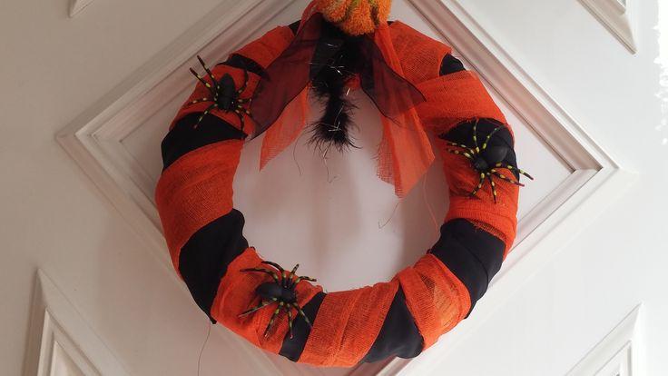 Mi corona de Halloween.