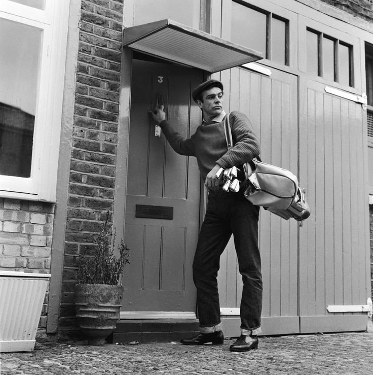 Sean Connery leaves his basement flat in London for a game of golf, Aug 1962 - Imgur